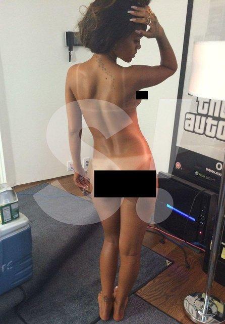 Хакеры слили в сеть фотографии обнаженной Рианны - фото 159932