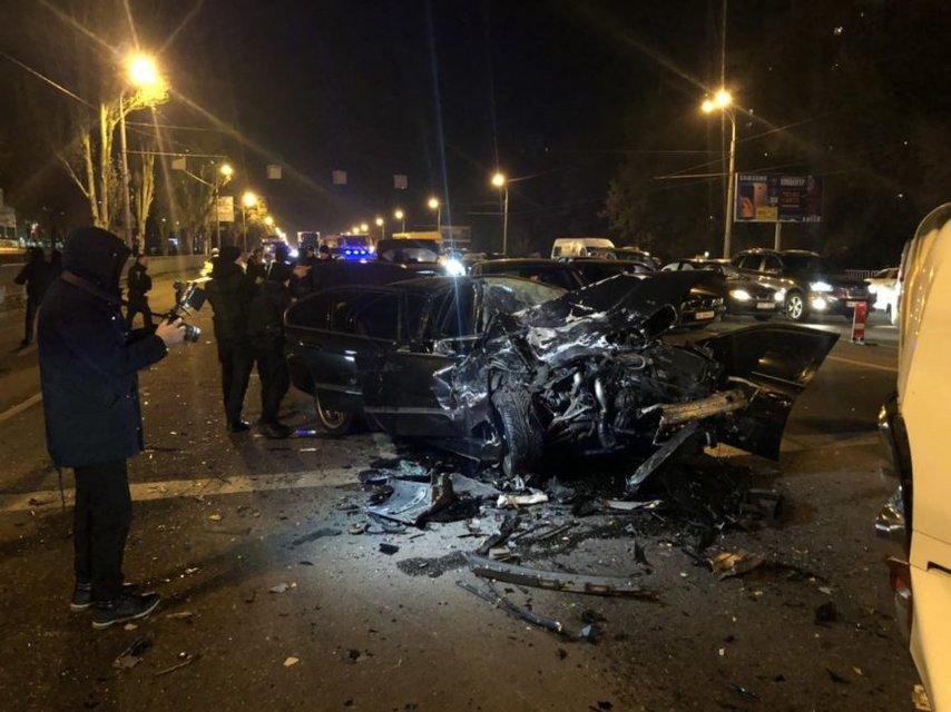 В Днепре в масштабном ДТП с участием 10 машин пострадали люди - фото 160076
