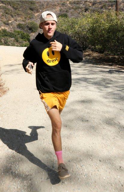Джастин Бибер запустит свою линию одежды - фото 160846