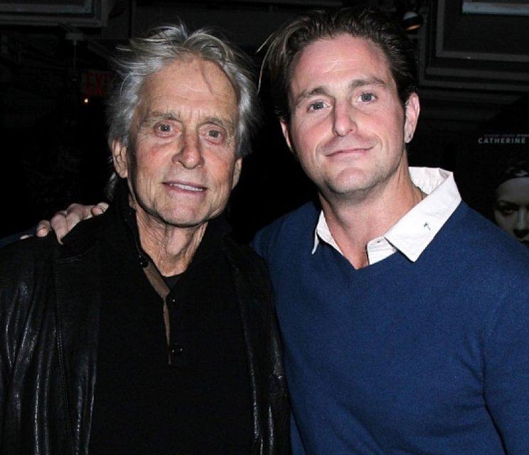 Голливудский актер боится, что его дети станут алкоголиками и наркоманами - фото 160906
