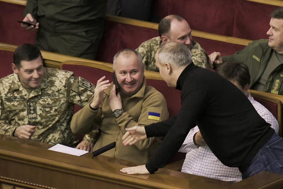 Шуфрич обеспечил прикрытие на случай военного положения (ФОТО) - фото 161661