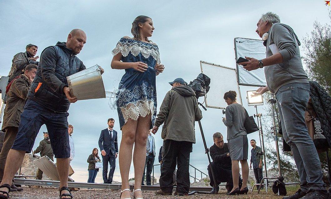 Звезда Слуги Народа снимается в оккупированном Крыму - фото 161691