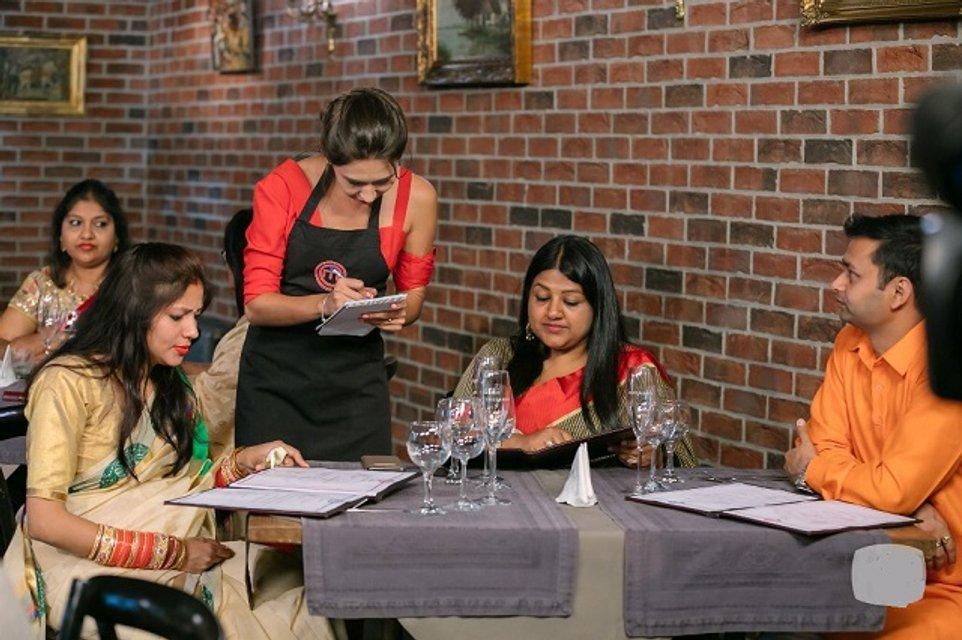МастерШеф 8 сезон 28 выпуск онлайн: эстафета и встреча дипломатов индийского посольства - фото 161939
