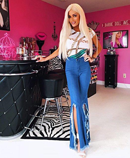 'Живая Барби' стала девушкой года по весии Playboy - фото 161967