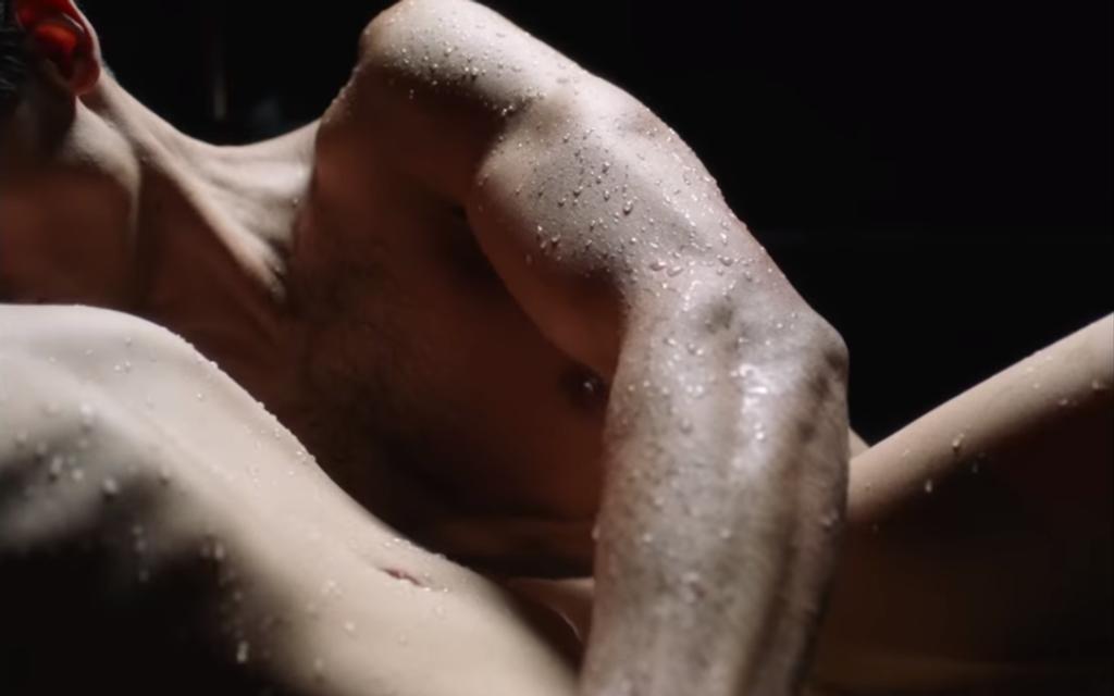 Мокрая и голая: Тина Кароль представила эротический клип - фото 163340
