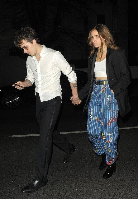 Бруклин Бекхэм сбежал с новой девушкой с вечеринки после British Fashion Awards - фото 163976
