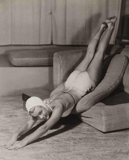 Позировала без белья: опубликованы архивные фото Мэрилин Монро - фото 164127