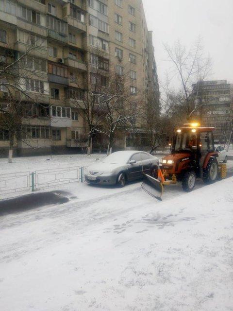 Снегоуборочные машины не справляются с количеством снега - фото 164200