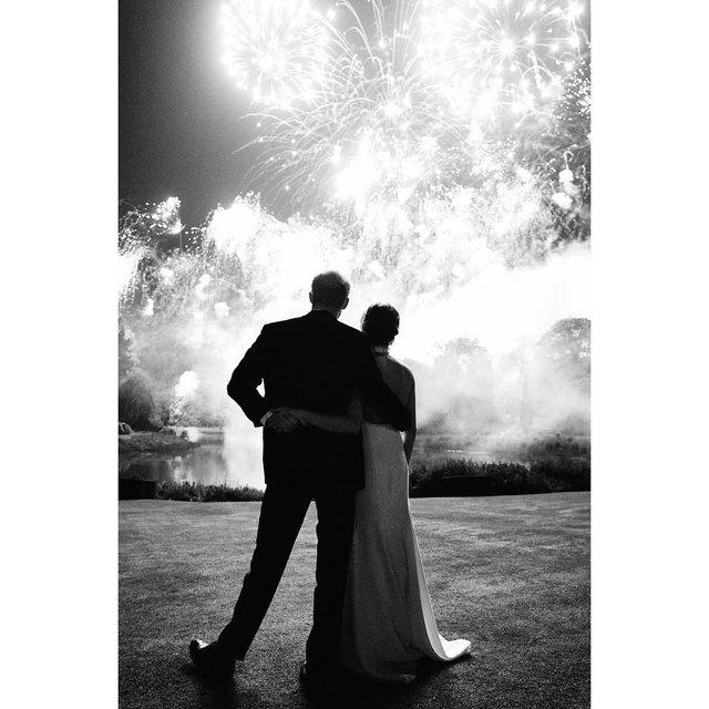 В сети появилось неопубликованное ранее фото со свадьбы принца Гарри и Меган Маркл - фото 164603