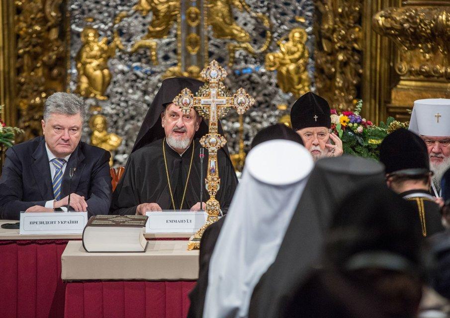 Истерика русского мира: Украина сделала последний шаг к получению Томоса - фото 164830
