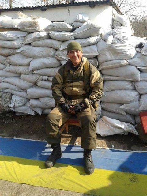 Проклятие работает: на Донбассе погиб боевик, топтавший украинский флаг - фото 164989