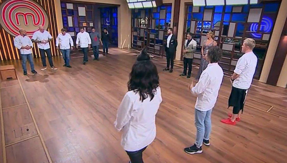 МастерШеф 8 сезон 34 выпуск онлайн: борьба тройки лучших кулинаров-аматоров 8 сезона - фото 165440