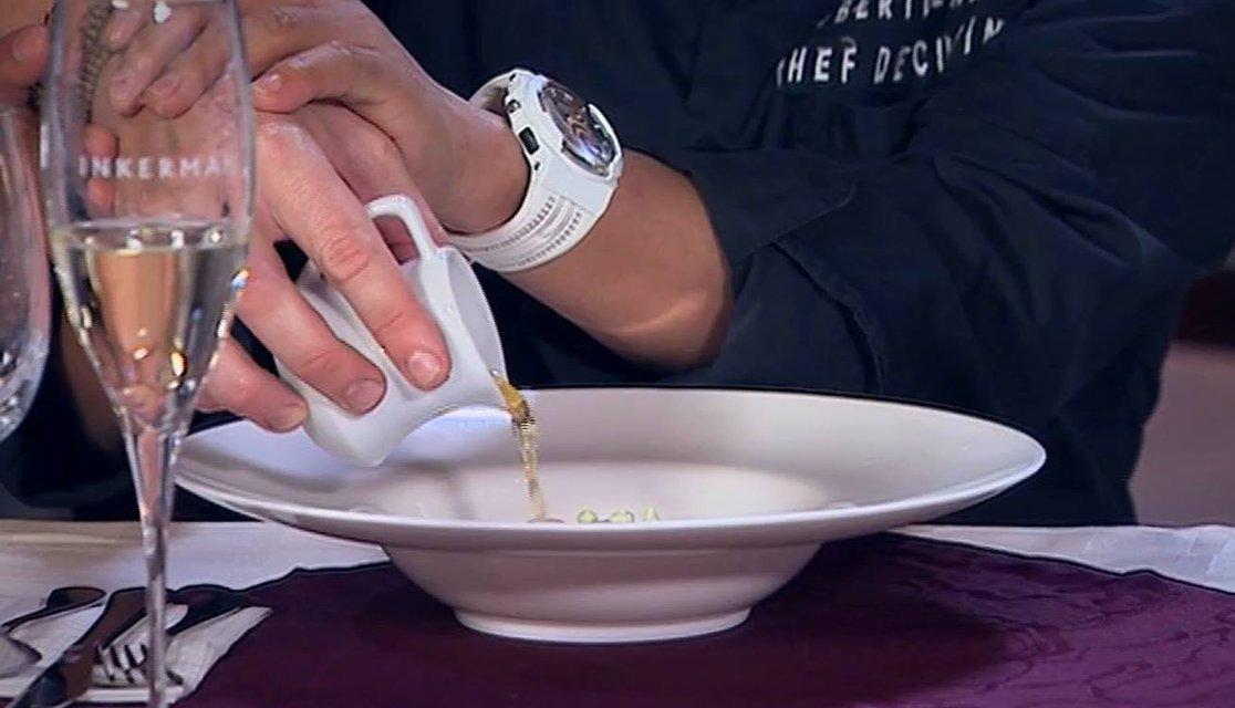 МастерШеф 8 сезон 34 выпуск онлайн: борьба тройки лучших кулинаров-аматоров 8 сезона - фото 165442