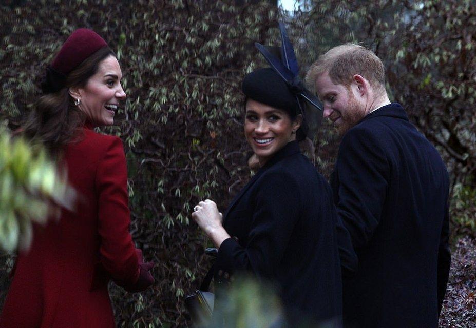 Меган Маркл и Кейт Миддлтон объявили о перемирии ради Елизаветы II - фото 166173