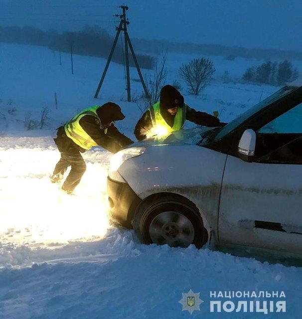 Белый плен: из-за непогоды в заносах и пробках стоят почти 800 авто - фото 166266