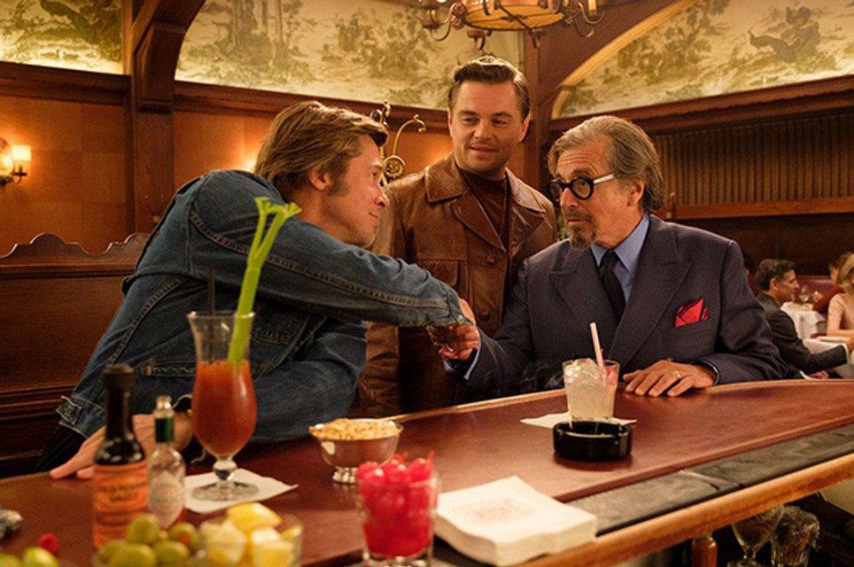Однажды в Голливуде: яркие кадры со съемок фильма Тарантино - фото 169807