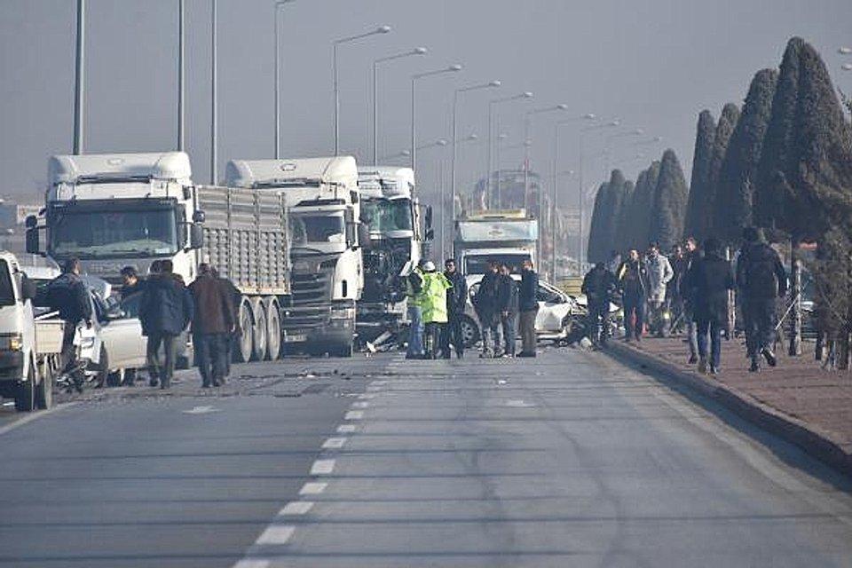 В Турции столкнулись 30 авто: пострадали многие - фото 169927