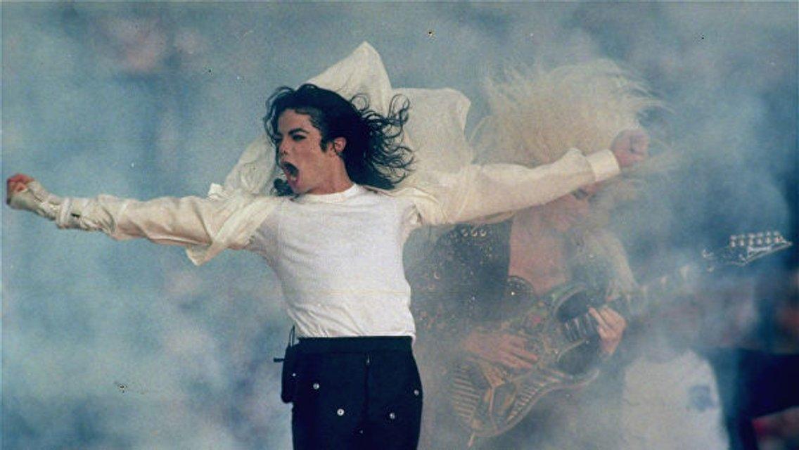 Родственники Майкла Джексона ответили на обвинения звезды в педофилии - фото 170076