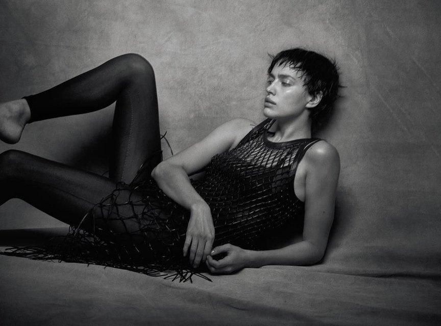 Ирина Шейк со стрижкой 'под мальчика' снялась в дерзкой фотосессии - фото 170378