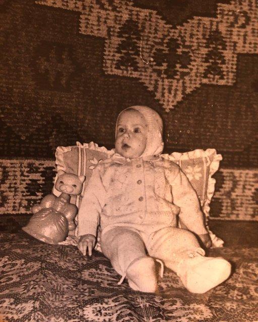 И даже тогда уже ноги от ушей: Леся Никитюк показала себя в детстве - фото 171391
