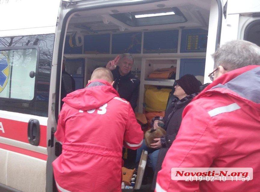 В центре Николаева депутат попал в ДТП с пострадавшим - фото 171870