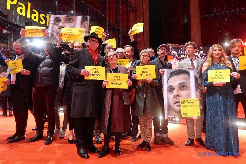 Берлинале 2019: кинозвезды призвали освободить Сенцова - фото 171975
