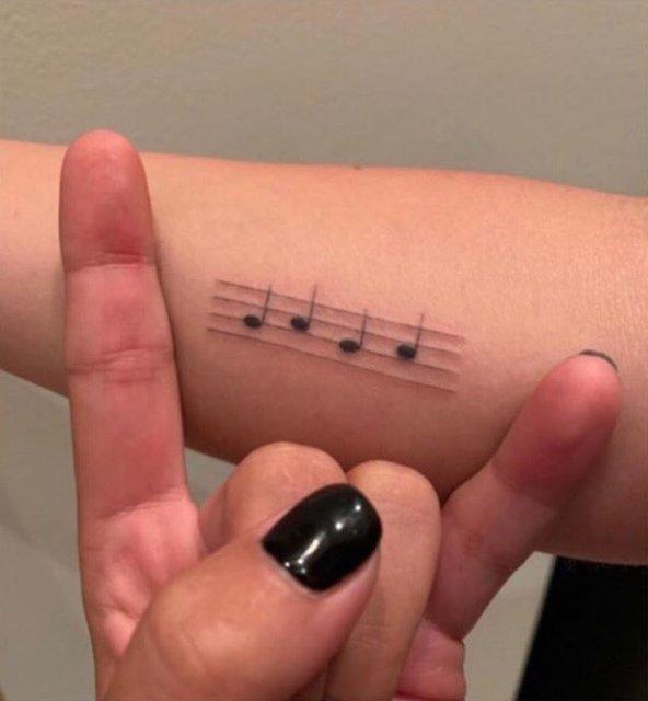 Леди Гага по пьяни сделала татуировку с ошибкой - фото 172621