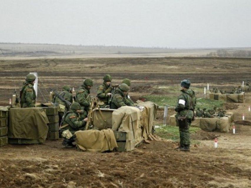Диплома не будет: выпускников российских военных ВУЗов разрывают украинские снаряды - фото 172985