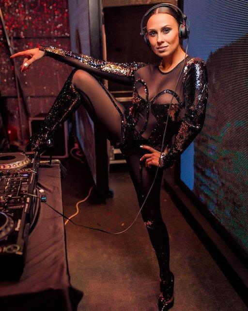 Звезда шоу 'Танці з зірками' случайно засветила сосок - фото 174649