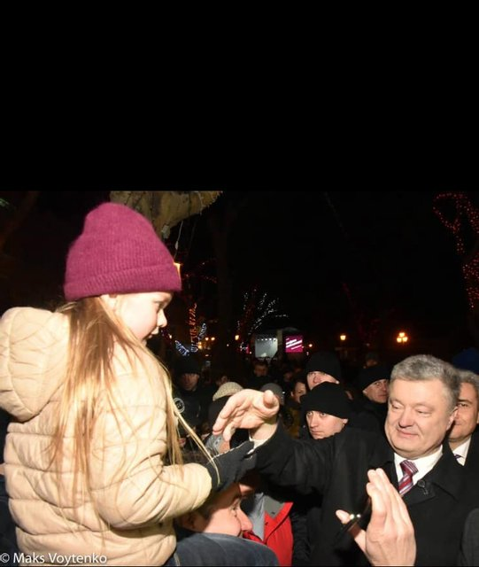 Улыбаемся и машем: Как одесские власти возлюбили Порошенко - фото 174657