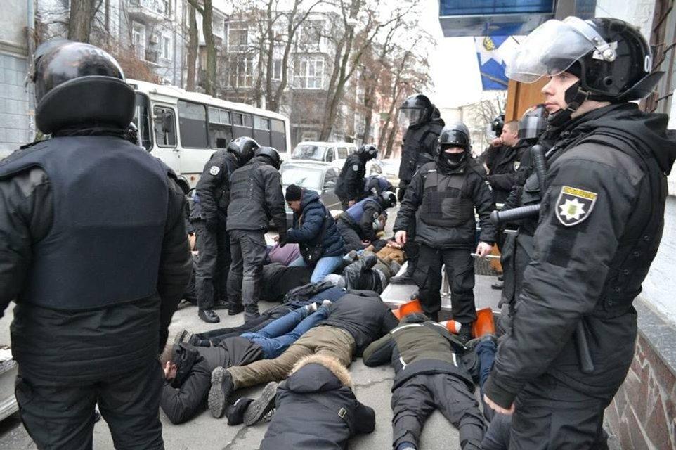 Силовой жабогадюкинг: почему армия Авакова схлеснулась с порошенковскими - фото 174937