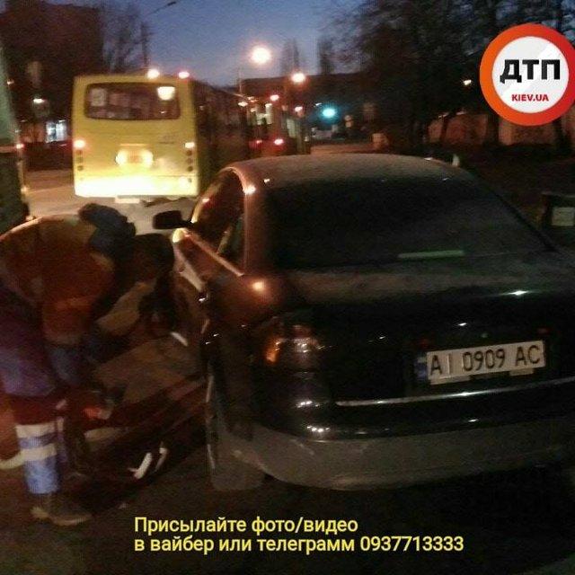 В Киеве пьянющий майор полиции гонял по ночному городу (ФОТО) - фото 175187