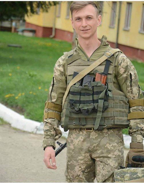 Во Львове под видом бойца ВСУ пытались похоронить другого человека - фото 175272