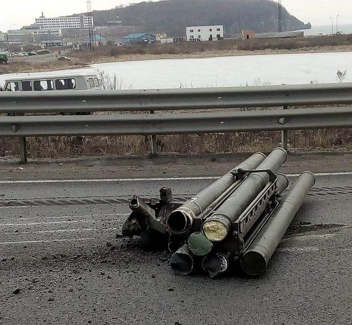 В России об отбойник развалился хваленый ЗРК 'Панцирь' - фото 175504