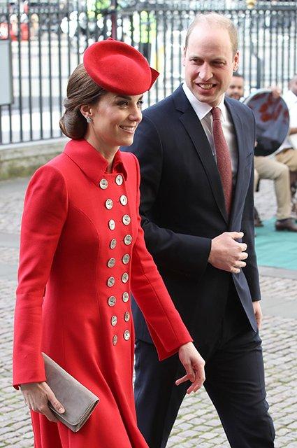 Совместный выход: Кейт Миддлтон и Меган Маркл на службе в Вестминстере - фото 175655