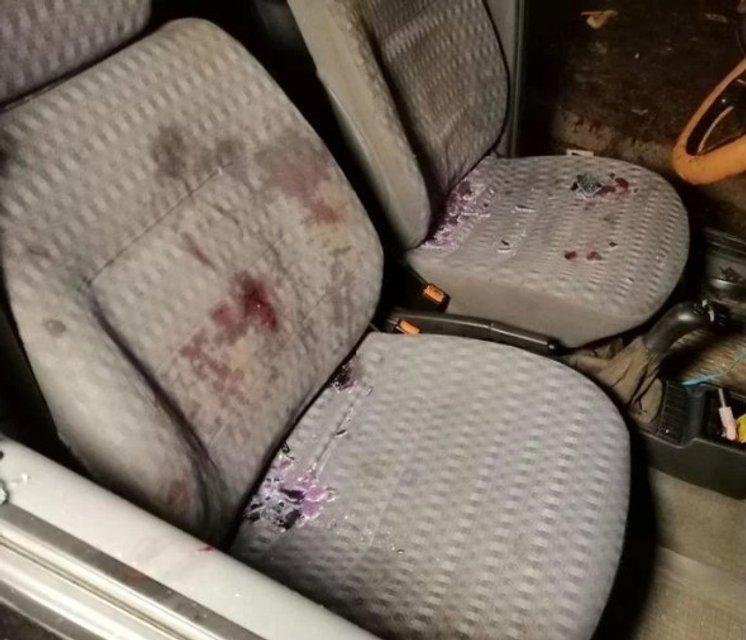 В Кривом Роге заблокировали и расстреляли такси с пассажирами, есть раненые - фото 175678