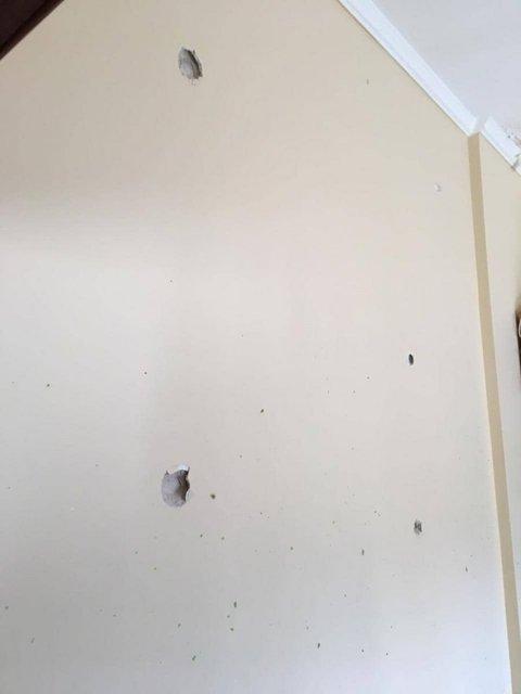 В Киеве обстреляли Голосеевский районный суд (ФОТО) - фото 175722