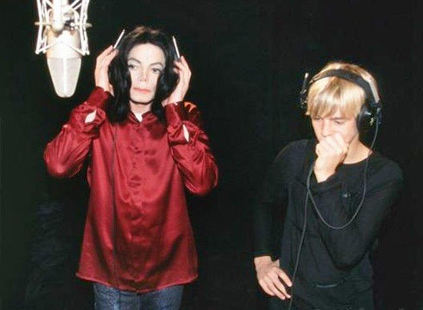 Топчетесь на могиле легенды: друг Майкла Джексона резко высказался о скандале с музыкантом - фото 175736