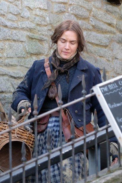 Неузнаваемая Кейт Уинслет на съемках нового фильма - фото 175836