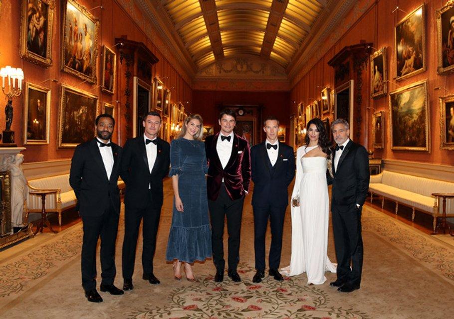 Джордж и Амаль Клуни, Бенедикт Камбербэтч и другие на приеме в Букингемском дворце - фото 176026