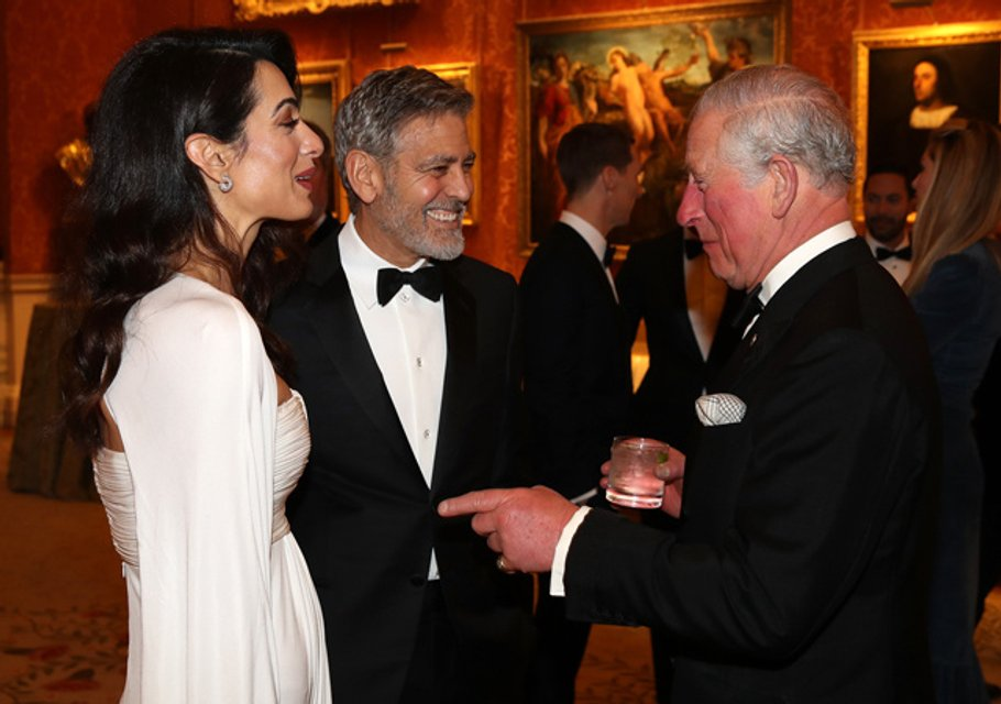 Джордж и Амаль Клуни, Бенедикт Камбербэтч и другие на приеме в Букингемском дворце - фото 176027