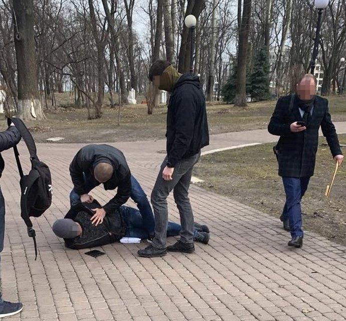 Советник руководства МВД попался на взятке почти в миллион - фото 176122