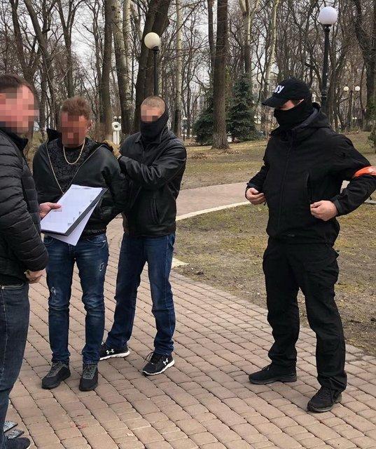 Советник руководства МВД попался на взятке почти в миллион - фото 176123