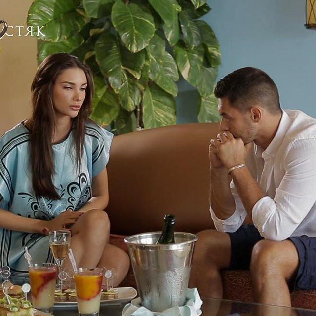 Холостяк 9 сезон 2 выпуск: Первое свидание с Каролиной в ее день рождения - фото 176419