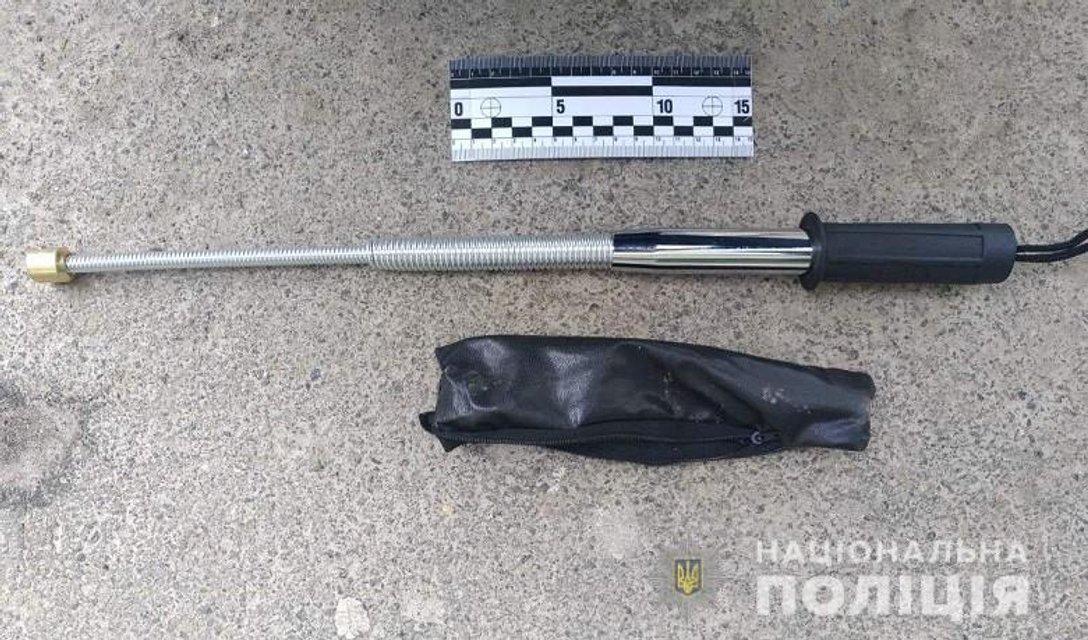 В центре Киева на митинг Порошенко пришли с оружием - фото 176515