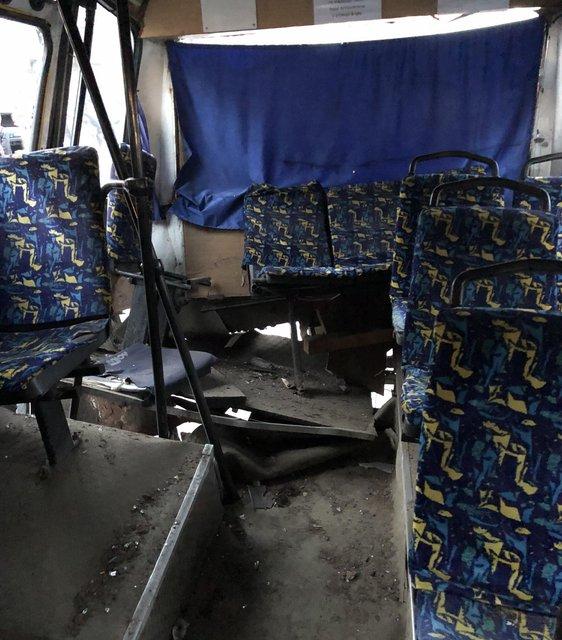 В Киеве легковушка влетела в переполненную маршрутку и загорелась (ВИДЕО) - фото 176738