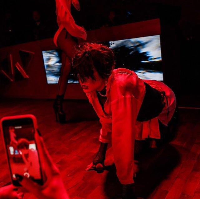 Певица или девочка по вызову: эротичные фото MARUV вызвали споры в сети - фото 176861