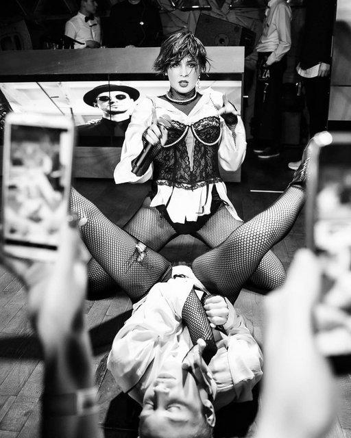 Певица или девочка по вызову: эротичные фото MARUV вызвали споры в сети - фото 176865