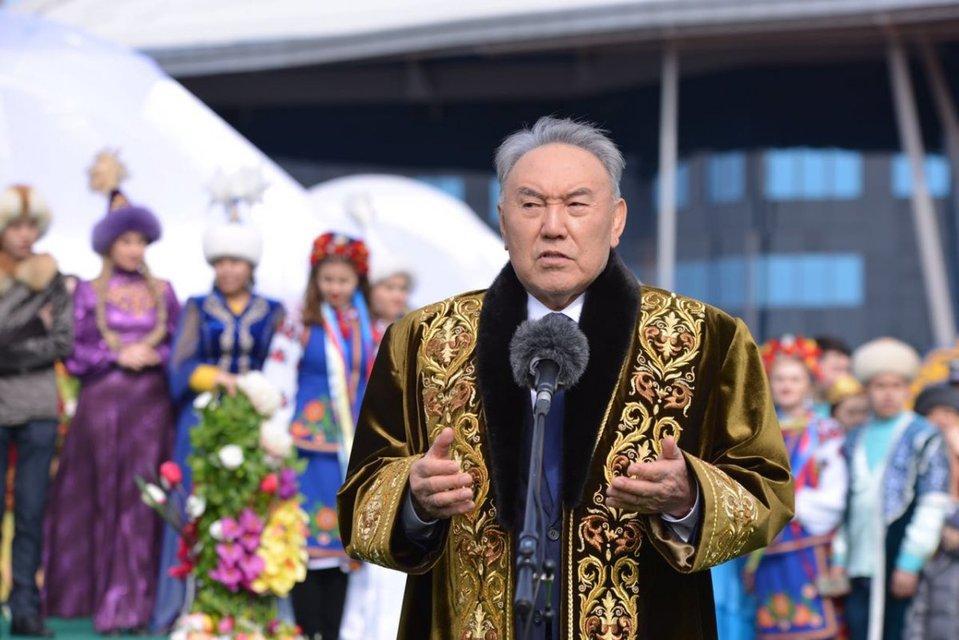 Уходя, не уходи: Что происходит в Казахстане - фото 177009