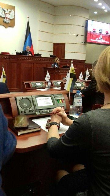 Террористка Поклонская приехала в Донецк рассказывать о счастливой жизни (ФОТО) - фото 177347
